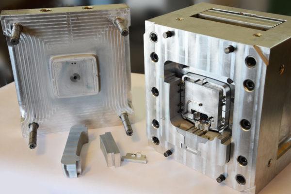 abl moule prototype d'injection plastique automobile